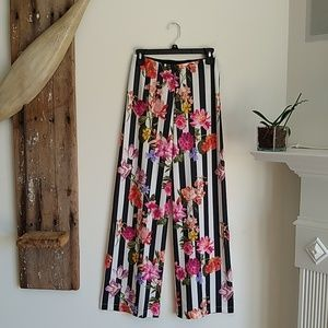 Nally & Millie boutique pants S NWT